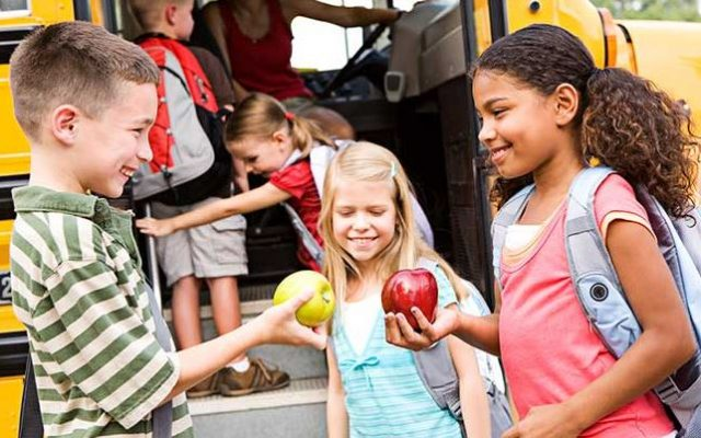 how to share - kids apples bus